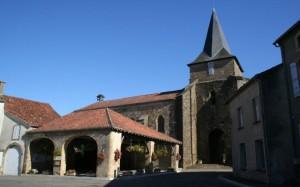 Église St Julitte et la Halle